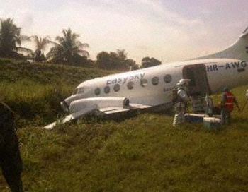 EasySky JS31 at San Pedro Sula on Dec 31st 2012, veered off runway and ran <b>...</b>